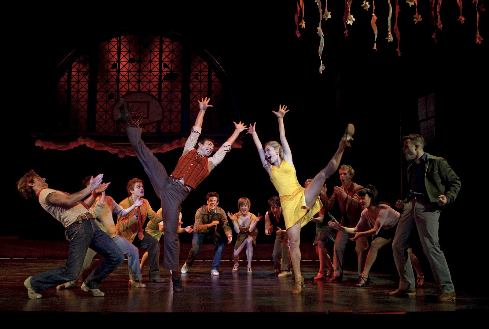 west side story and romeo Free essay: shakespeare's romeo and juliet and west side story both have a  lot in common as well as major differences that set them apart although west.